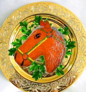 салат рыжий конь
